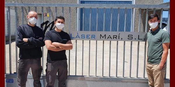 Fotografia facilitada per l'empresa Làser Mari a Cervera on es veuen els joves contractats.