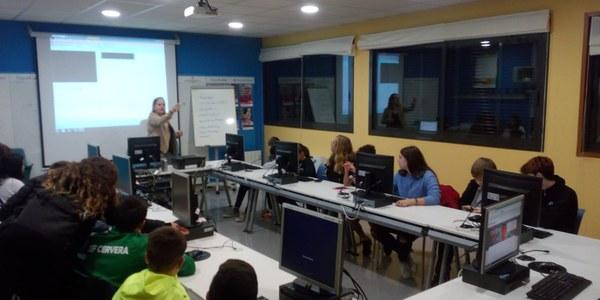 L'Oficina Jove organitza un taller d'edició de vídeos pels participants del concurs Contrastos 2019